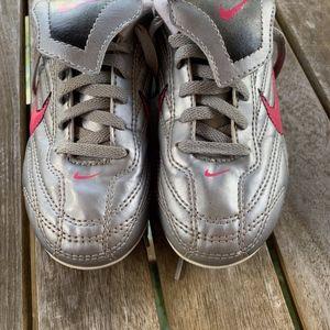 Girl's Nike Soccer Cleats